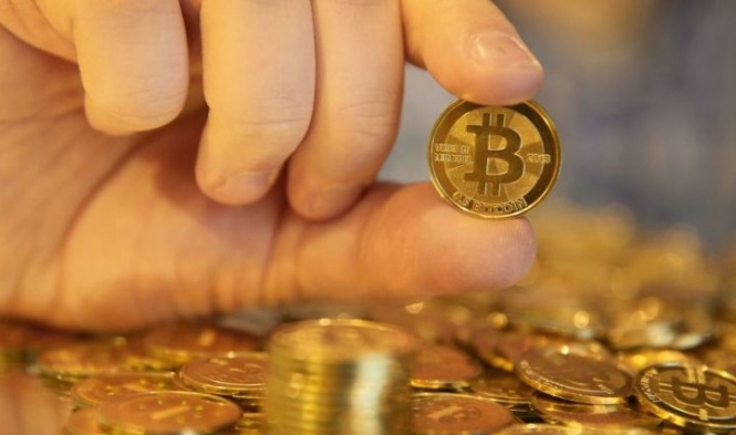 Эксперты: Биткоин пока не может заменить фиатные деньги