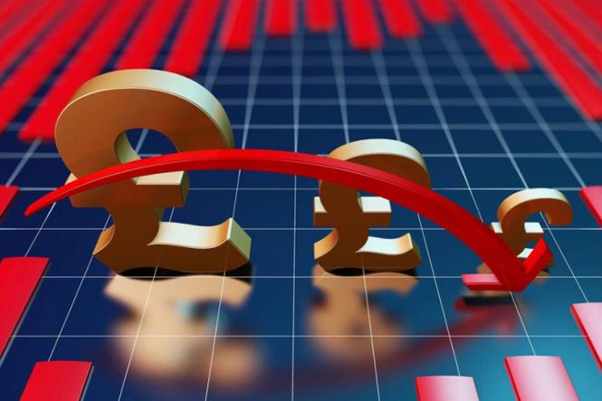 Фунтом дирижирует политика, ожидается падение еще на 10%