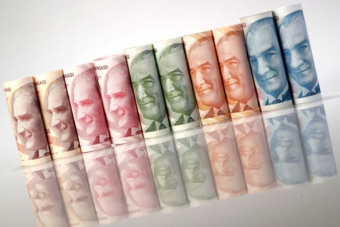 Турецкая лира вновь подешевела по отношению к доллару США