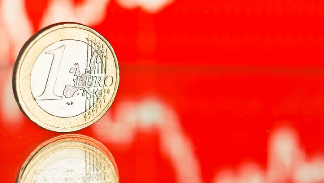 Евро открыт путь в область минимумов начала 2017-го – $1