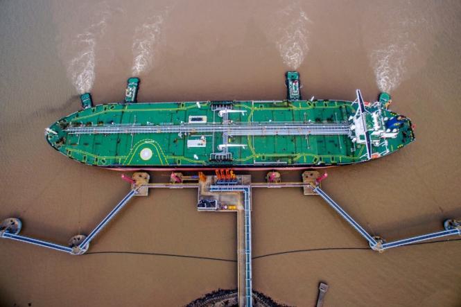Китайские покупатели переходят на иранские танкеры на фоне санкций США