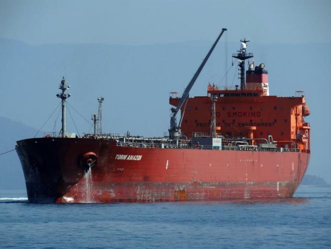 Китай был вынужден изменить тарифную политику и возобновить закупку нефти в США