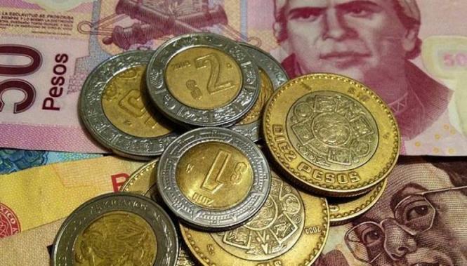 Мексиканский песо снижается из-за неопределенности вокруг будущего торговых отношений с Канадой