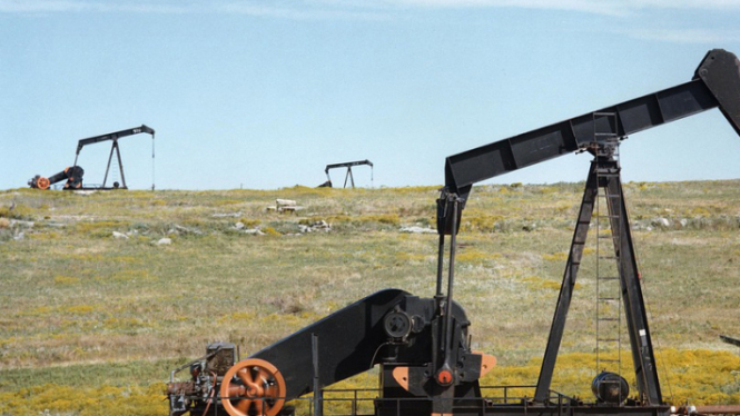 Запасы нефти в США снизились до минимума за три года
