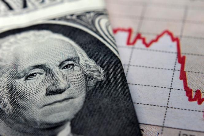 На краю пропасти: индекс доллара может упасть на 10%