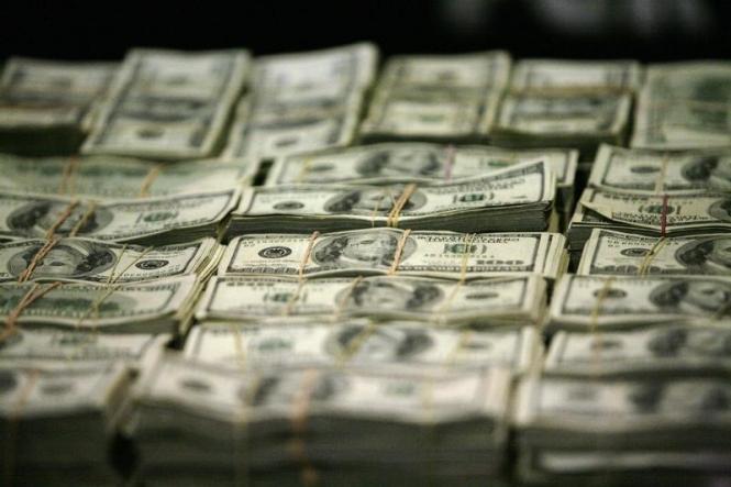Какие факторы сдерживают рост доллара и какое направление выберет валюта