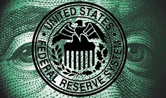 Доллар вновь нацелен на годовые максимумы