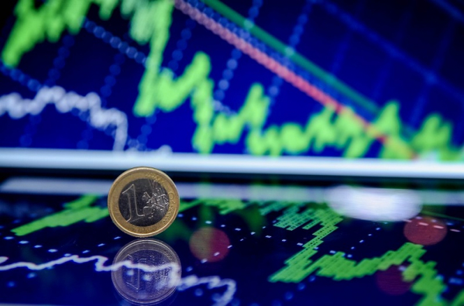 Падение евро: фокус смещен к $1