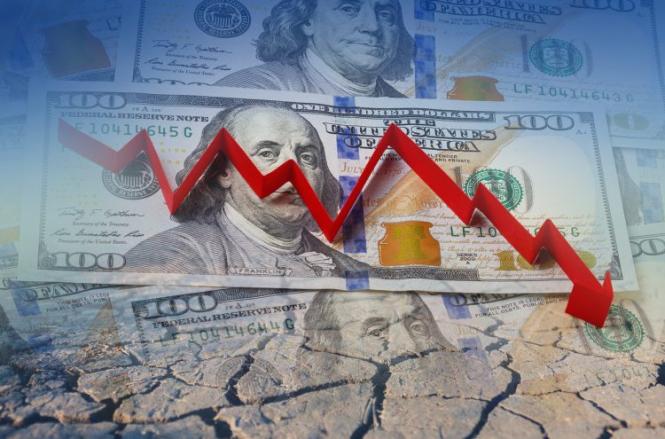 Мнение: Доллар может подешеветь на 40% по отношению к евро