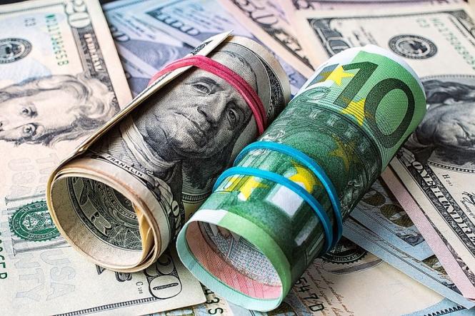 Евро и доллар – фавориты ноября?