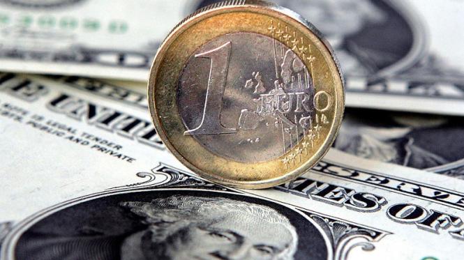 Пару EURUSD ждут американские горки