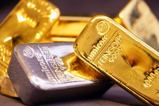 Стоимость золота и серебра растет на фоне падения акций