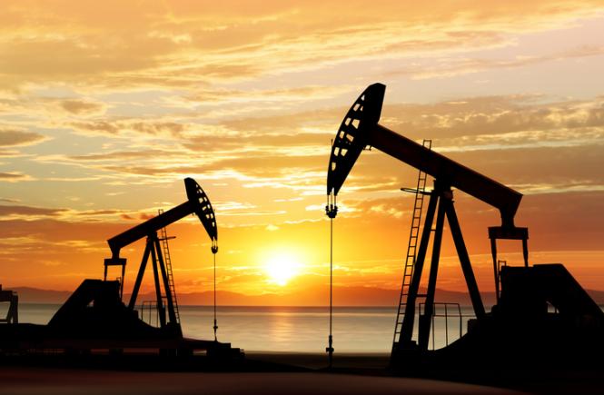 Нефть растет вслед за фондовыми биржами, несмотря на статистику запасов и бурения в США