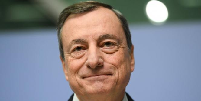 ЕЦБ сохраняет политику неизменной в условиях глобального спада