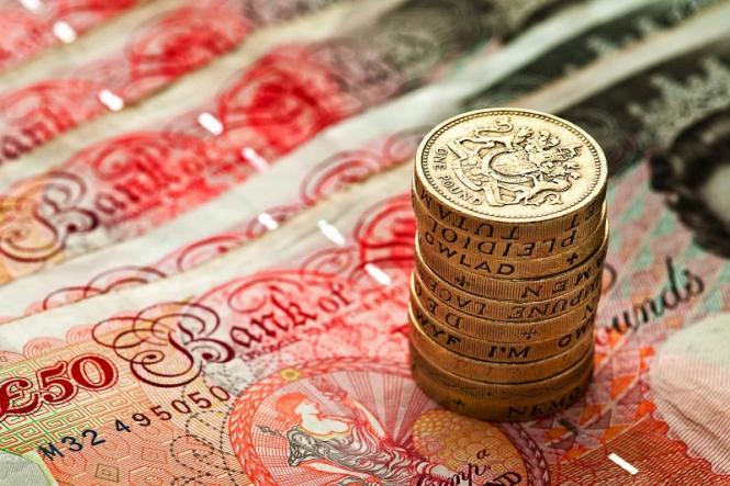 Нынешний апрель вновь пройдет вхолостую для фунта