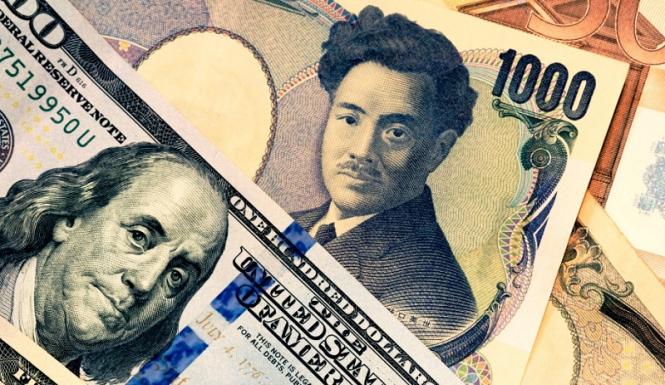 Доллар «задавил» евро