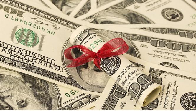 Доллар ликует