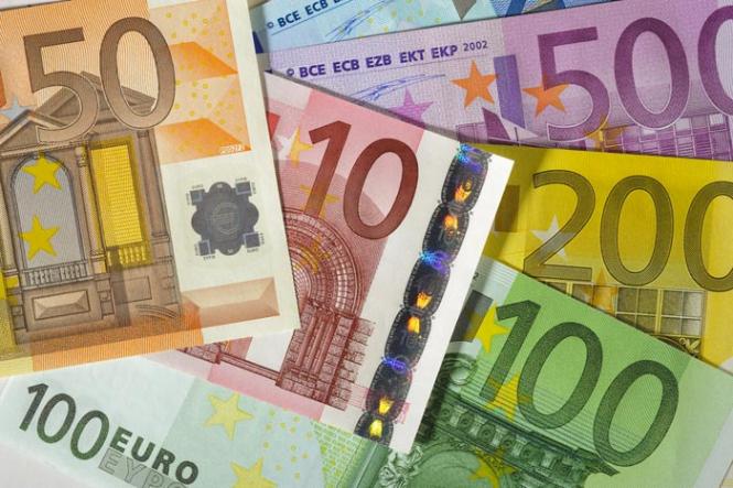 Евро, скорее всего, продолжит падение, помощи ждать неоткуда