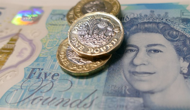 GBP/USD: несмотря на спад, фунт сохраняет амбиции вернуть утраченные позиции