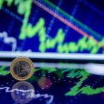 EUR/USD: евро пытается нащупать дно