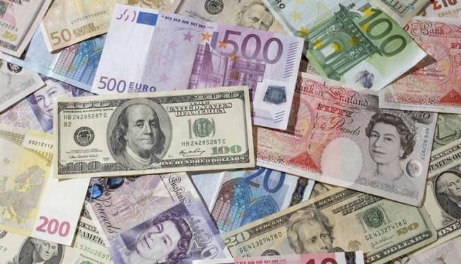 Доллар усиливает натиск, потенциал снижения евро и фунта еще не исчерпан