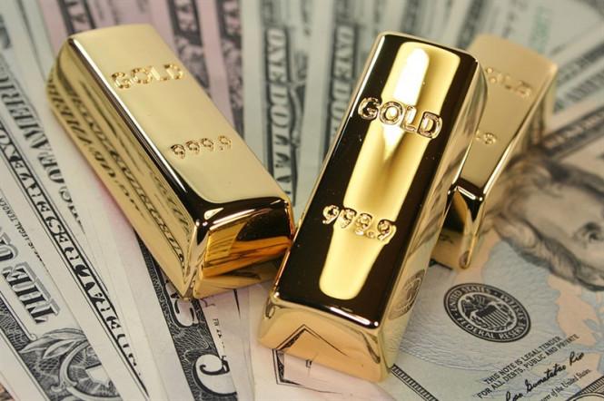 Золото vs доллар: борьба за титул короля «тихой гавани» продолжается