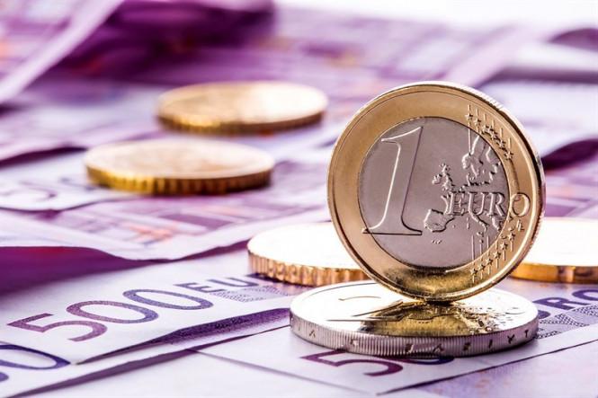 EUR/USD: евро играет с огнем