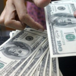 Давление на американскую валюту растет