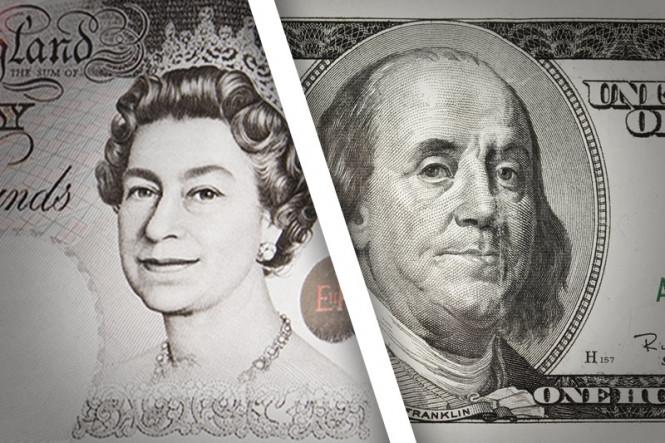 Американский доллар устремился вверх, оставив фунт стерлингов позади