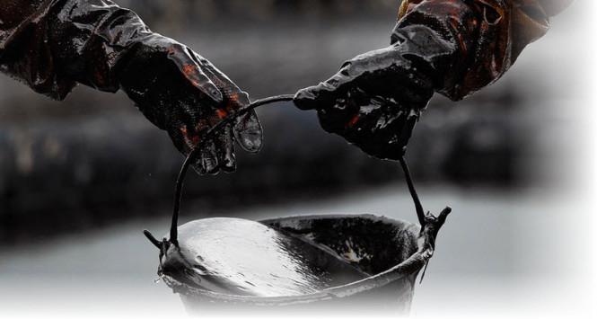 Качели продолжаются: стоимость нефти корректируется вниз