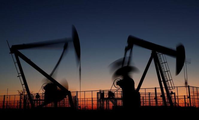 Неопределенность, растерянность и неуверенность: рынок нефти продолжает проседать