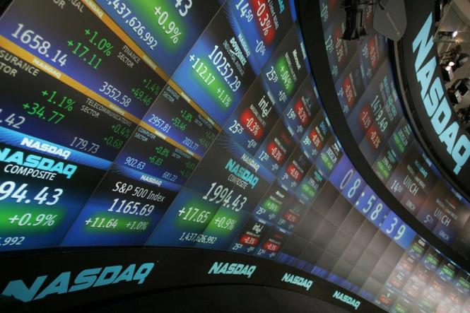 Фондовые индексы Америки снижаются, а европейские и азиатские остаются в нерешительности