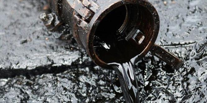 Нефть находится между двух огней: стоимость остается малоподвижной
