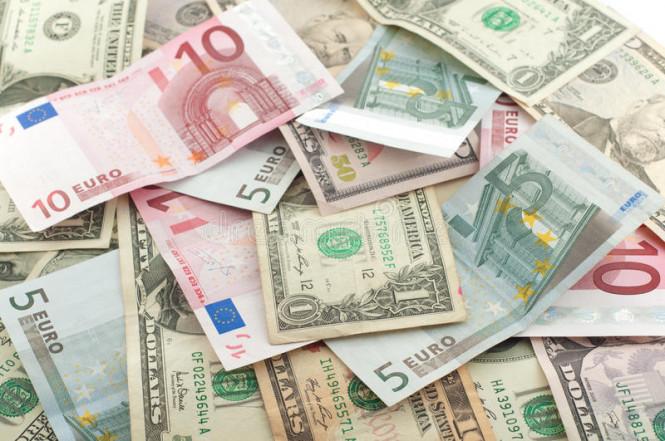 Евро стремительно растет, однако барьер еще не пройден