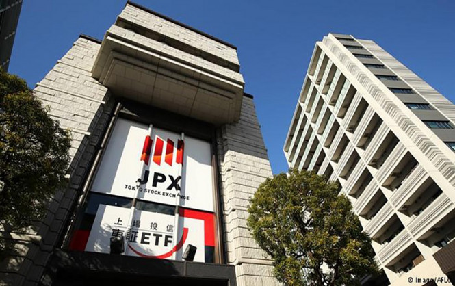 Отдохнули и снова в бой: в пятницу токийская биржа возобновит работу после сбоя