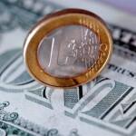 Пара EUR/USD пытается удержаться в зоне роста, однако дается ей это непросто