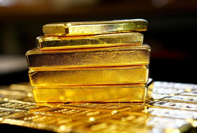 Золото постепенно выходит из негатива