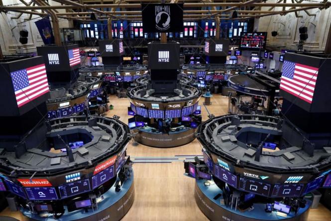 Фондовые индексы США снижаются, завершив ноябрь на позитиве