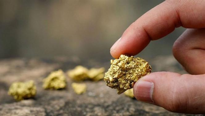 Виден свет в конце тоннеля: золото медленно начинает расти в цене