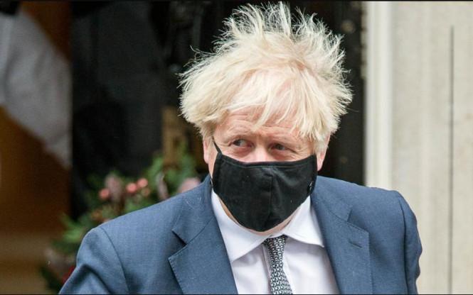 Новый штамм коронавируса выявили в Великобритании: люди покидают Лондон, авиасообщения приостановлены