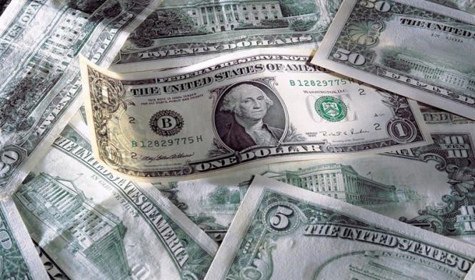 EUR/USD: доллар продолжает свой тревожный путь, не оставляя попыток с него свернуть