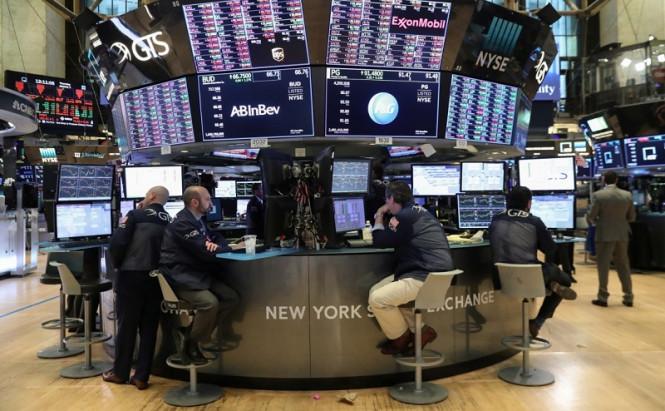 Пока фондовая Америка стремительно растет, в Азии предпочитают сдерживать свои эмоции