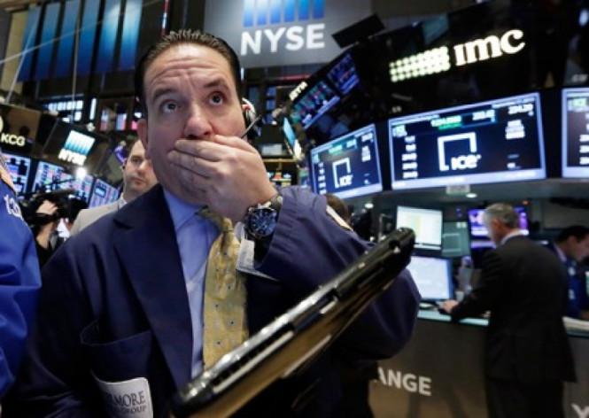 Вопреки хаосу и беспорядкам: фондовые индексы США отчитались первыми рекордами в 2021 году