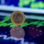 Продавать или покупать евро?