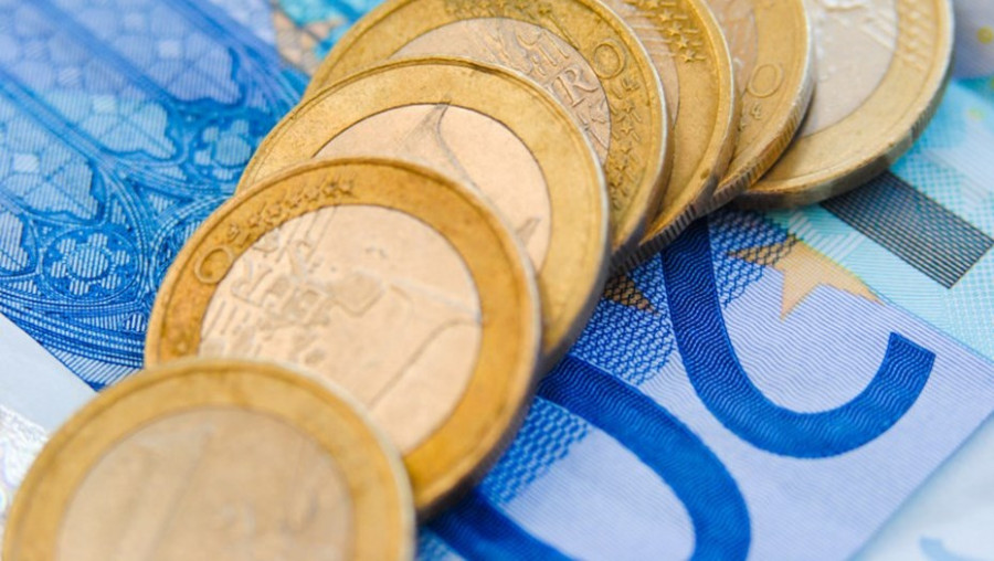 Стоит ли покупать евро перед решением ФРС по ставке