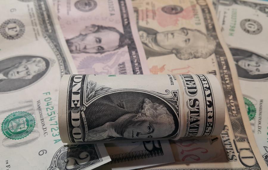 Пауэлл упертый, доллар не желает падать