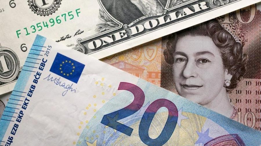 Фунт меряется силами с долларом и евро