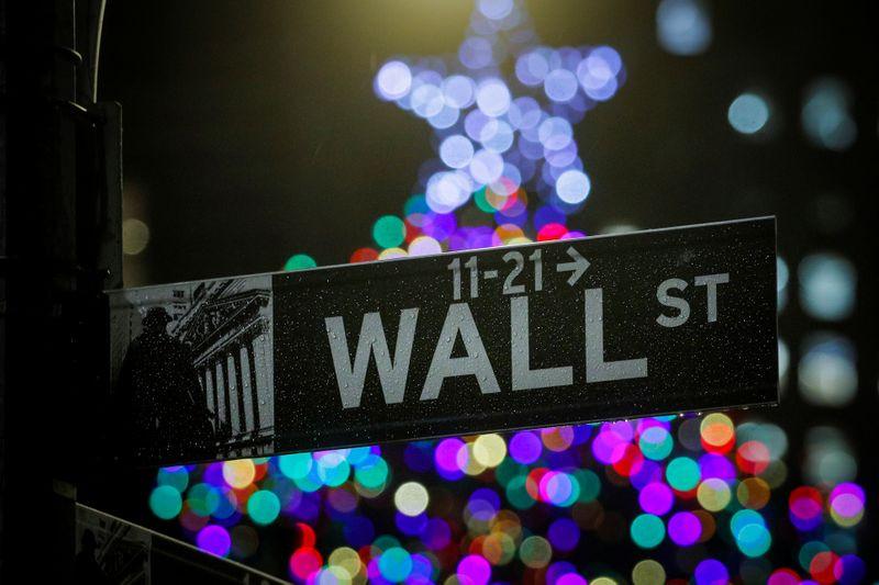 Историческое событие на биржах США - Dow Jones - перешагнул отметку в 34 000