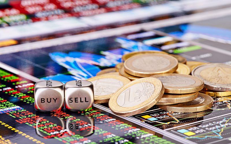 Пасмурно, возможны осадки в виде акций. ЕЦБ огорчил евро, доллар изо всех сил пытается на плаву остаться