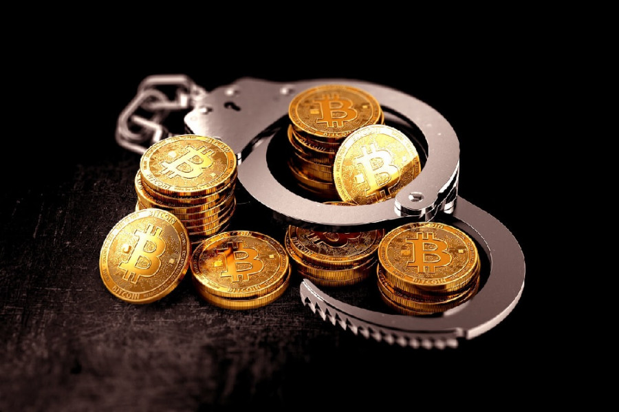 Запрет майнинга и шпионские игры: 10 фактов о криптовалютах, которые упускают регуляторы